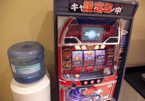 東松山ラブホテル バリタイ 101号室 スロットマシン