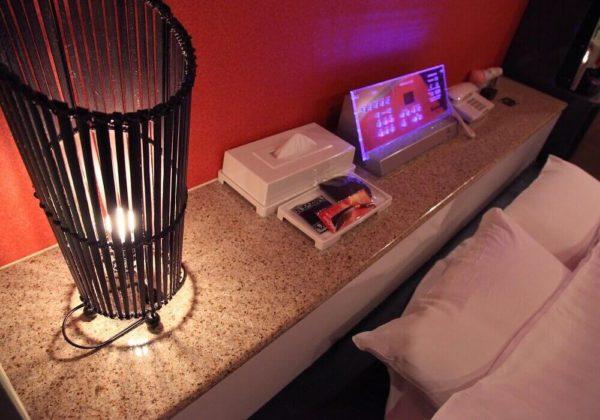 東松山ラブホテル バリタイ 102号室 ベッドパネル