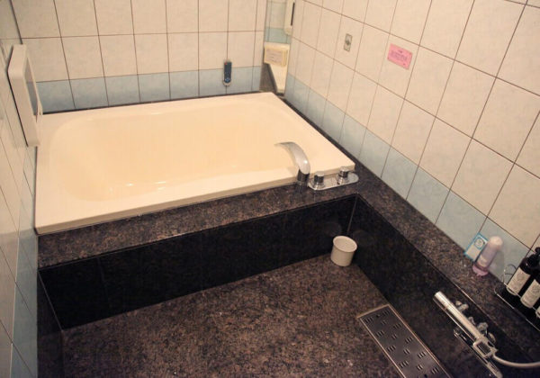 東松山ラブホテル バリタイ 201号室 お風呂