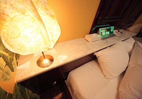 東松山ラブホテル バリタイ 202号室 ベッドパネル