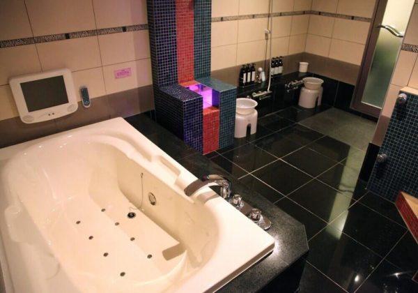 東松山ラブホテル バリタイ 206号室 SMルーム お風呂、スケベ椅子