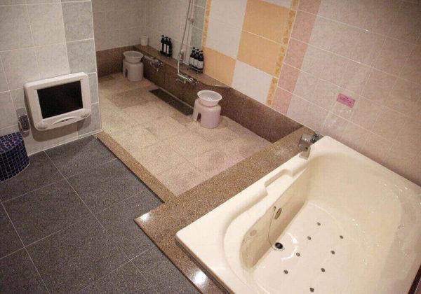 東松山ラブホテル バリタイ 208号室 お風呂