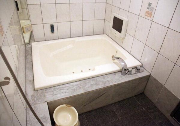 東松山ラブホテル バリタイ 211号室 お風呂