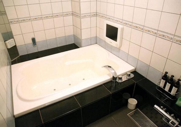 東松山ラブホテル バリタイ 215号室 お風呂
