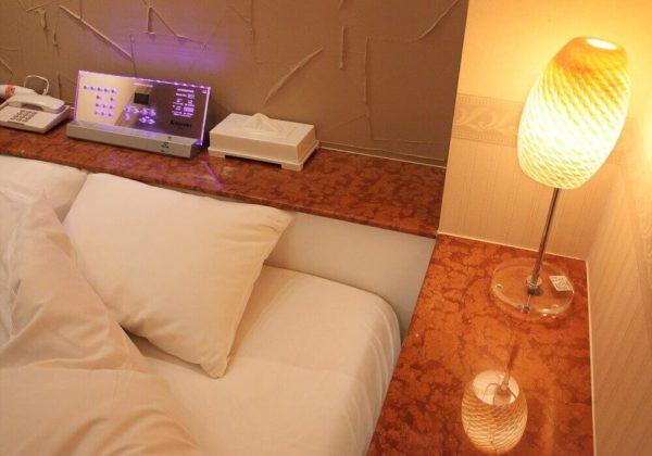 東松山ラブホテル バリタイ 217号室 ベッドパネル